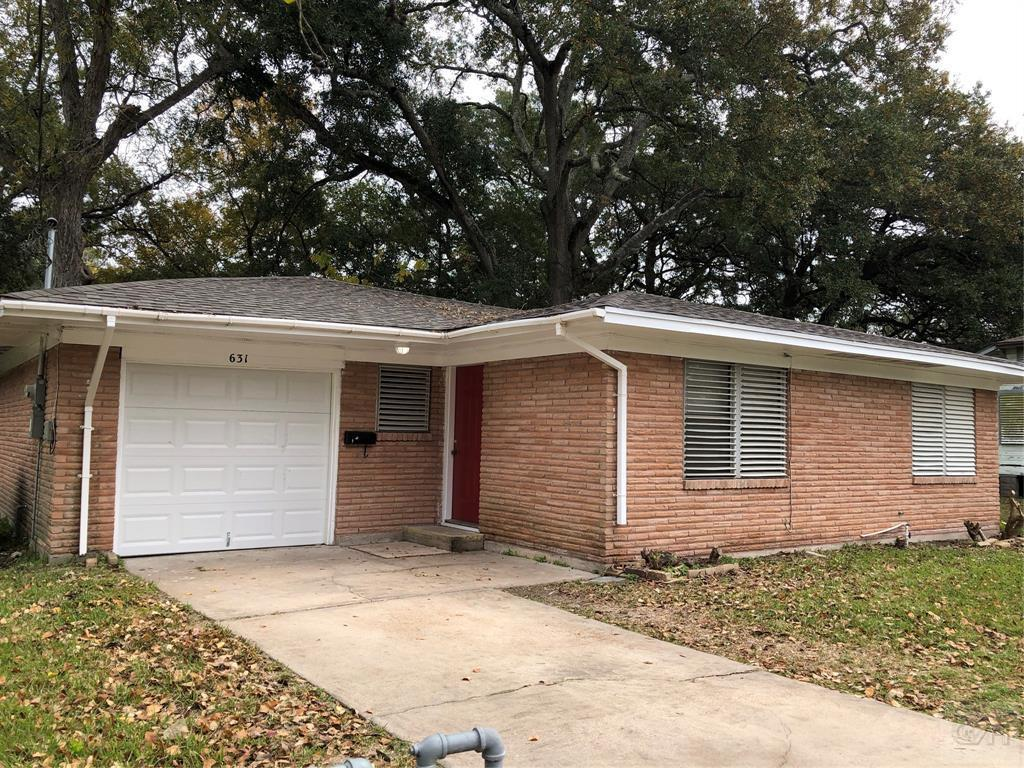 House for sale at 631 Laurel Street in La Marque TX
