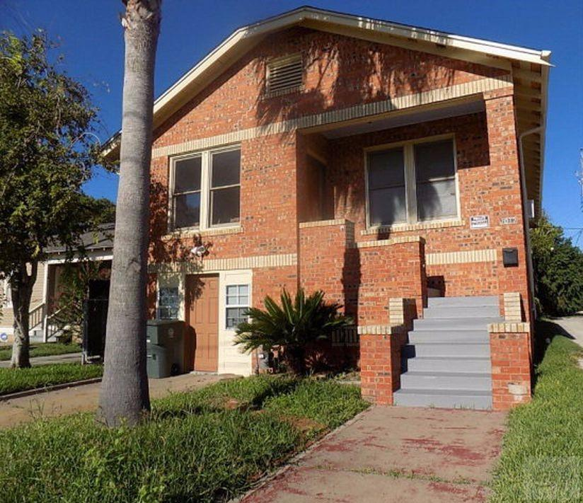 House for sale at 2012 41st Street in Galveston TX
