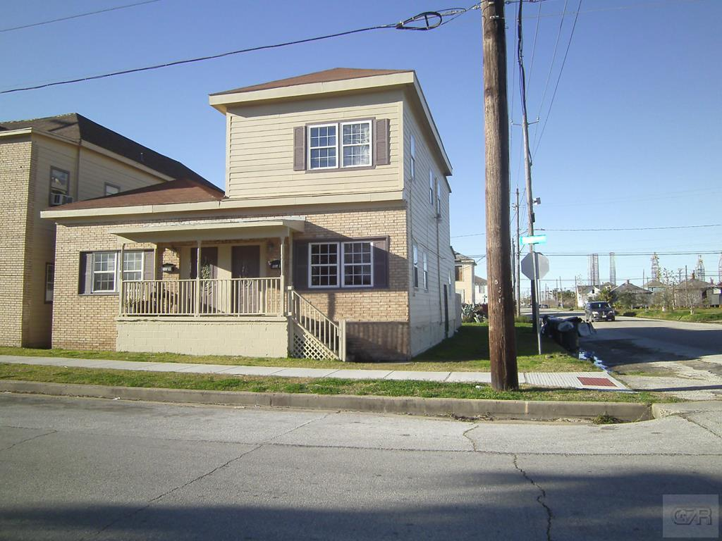 House for sale at 2804 Ball Street in Galveston TX