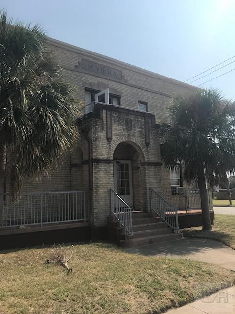 House for sale at 725 Broadway Street in Galveston TX
