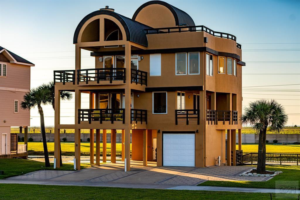 House for sale at 8 Blue Heron in Galveston TX
