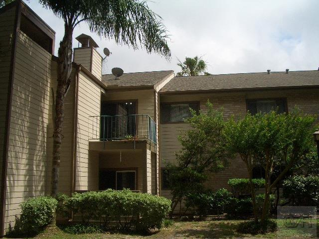 House for sale at 7128 N Holiday Drive in Galveston TX