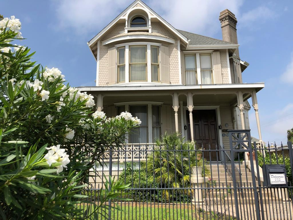 House for sale at 1919 37th in Galveston TX