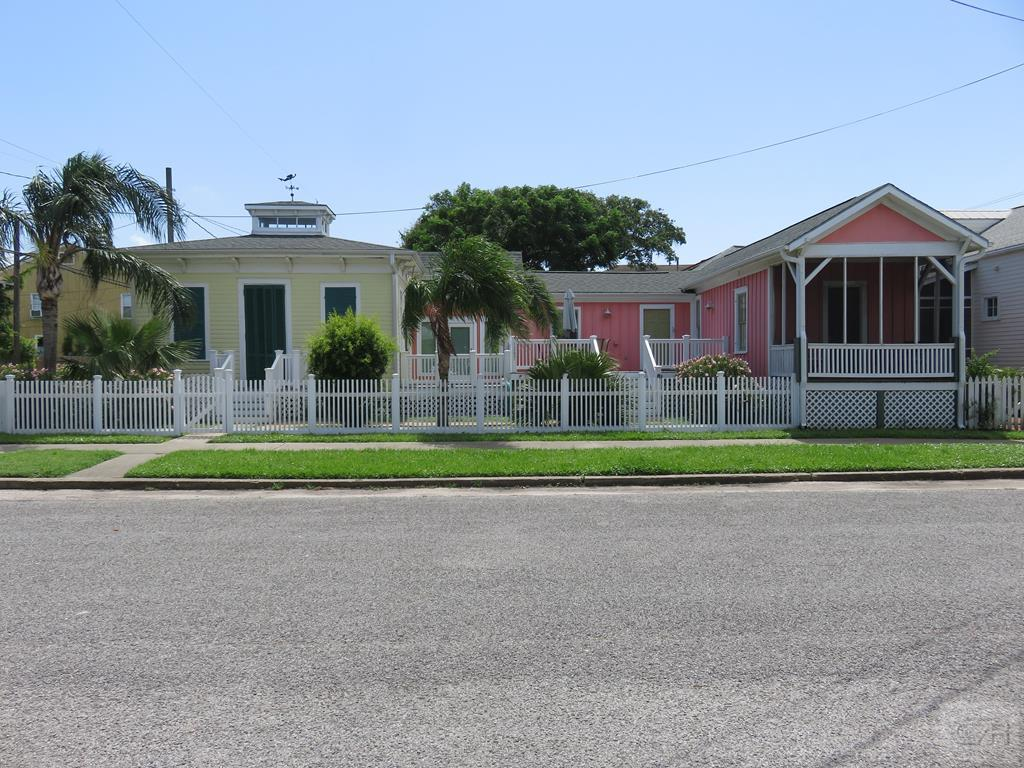 House for sale at 1207 15th in Galveston TX